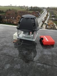 Remplacement d'une tourelle de désenfumage sur la toiture d'un immeuble d'appartement dans le secteur de Loos (59)